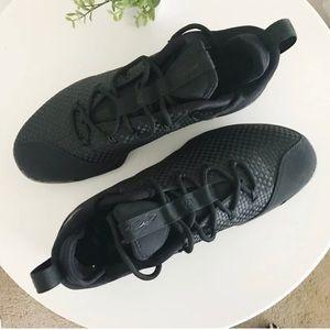 NWT Nike LEBRON XIV LOW Black